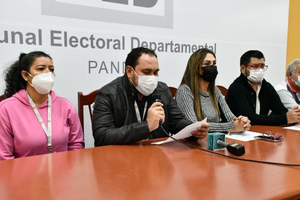 Más de 600 personas se beneficiaron con certificados de nacimiento gratuitos en la Feria de Cultural Registral y Democracia Intercultural
